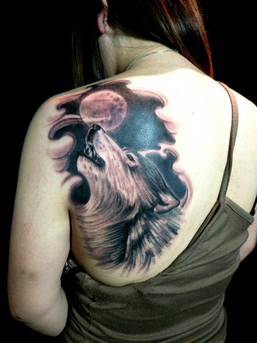 moon-wolf-tattoo
